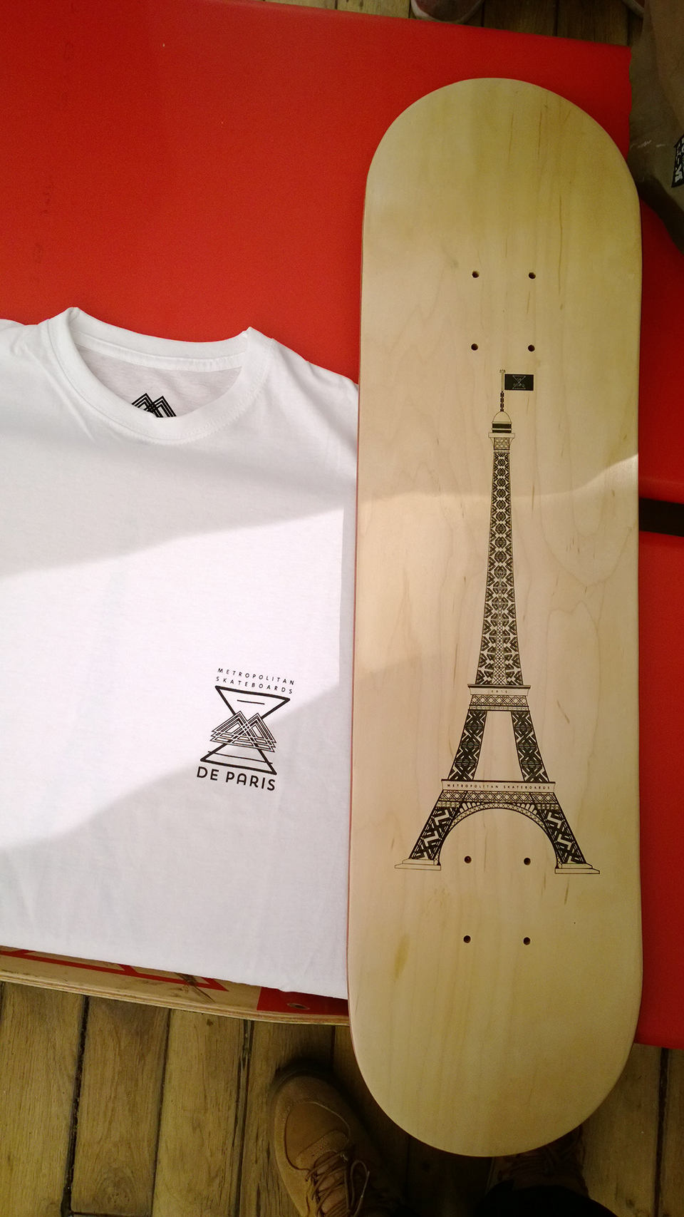 DE_PARIS_BOARD_&_SHIRT_01
